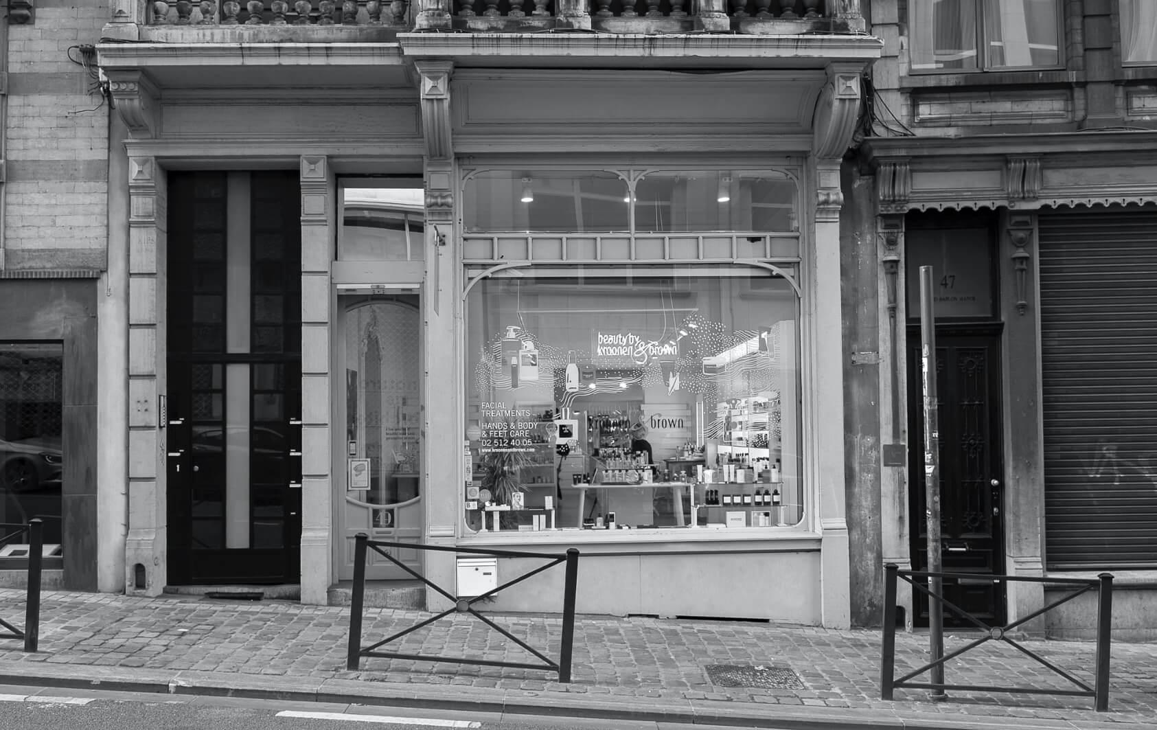vitrine évènementielle au poska pour une boutique